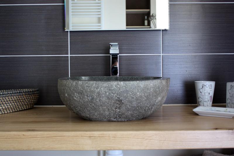 lavabo-salle-de-douche-cantal-auvergne-grand-gite