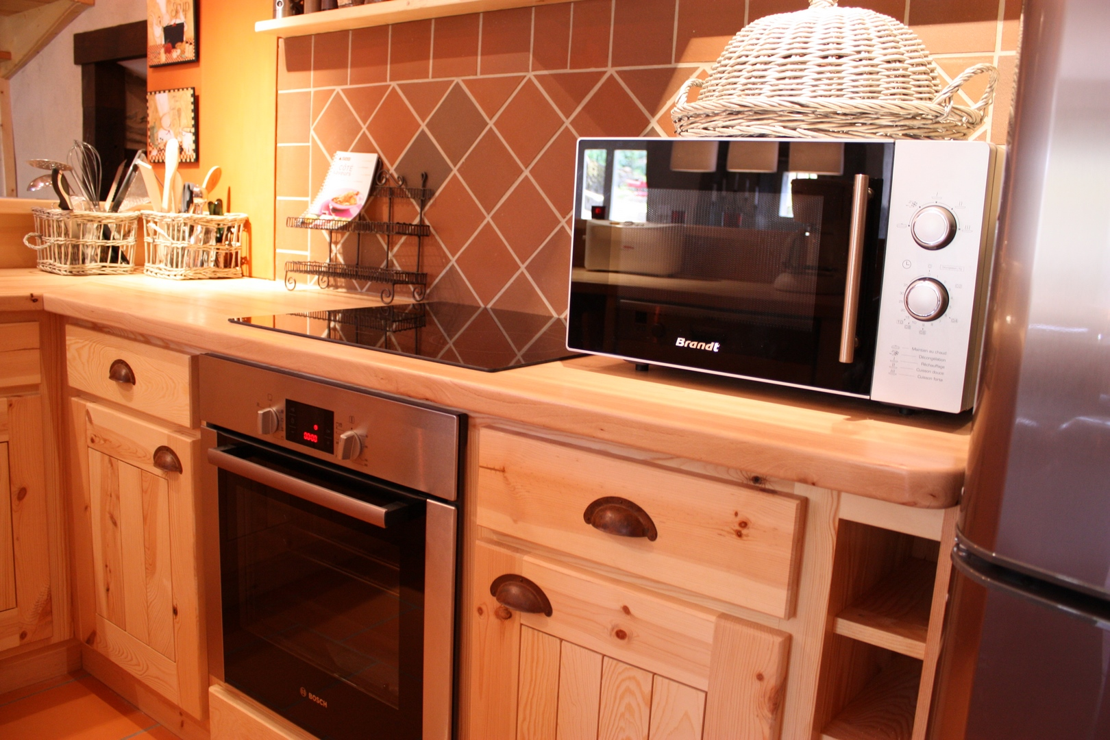 Cuisine toute quipe stunning cuisine tout equipee cuisine for Petite cuisine toute equipee